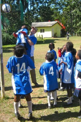 Paul Singer playing netball at Munda Wanga