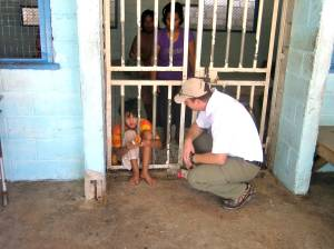 Paul meets a 13 year old girl who has been admitted to the Kiribati Mental Health Facility.