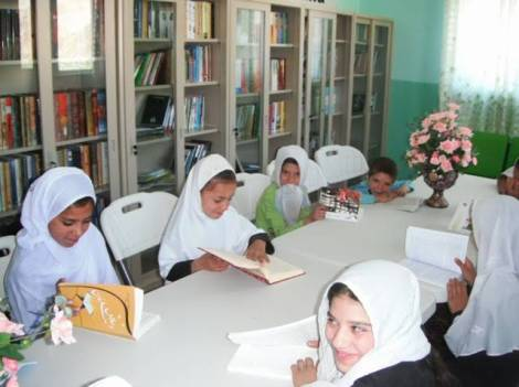Children using the MAMA Resource Centre.