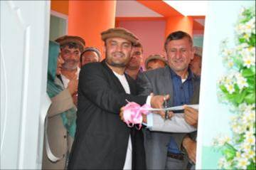 Onaba Mayor and Panjshir Head of Education officially opening the MAMA Resource Centre.